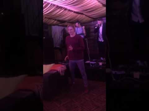 Щебет танцует под Jukebox