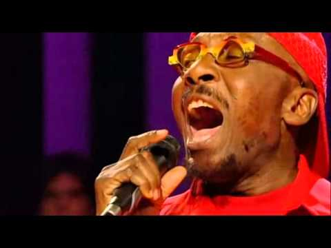 Jimmy Cliff - Many Rivers To Cross (Live)