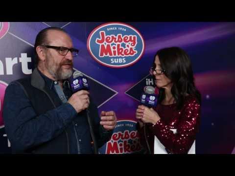 "Colin Hay & Martha Quinn Talk ""Fierce Mercy"" Backstage at iHeart80s Concert"