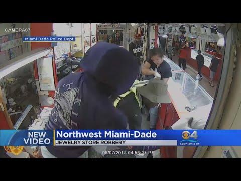 Caught On Camera: Masked Men Rob Jewelry Kiosk At USA Flea Market