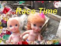 Anna 's Children Search for Gems Play in Water Olaf ! Petite Toddlers Annia and Elsia Toys and Dolls