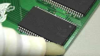 Soldering TSOP-44 SRAMs on Amiga TF530 PCB's with minimal tools.