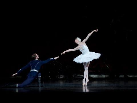 Swan Lake: Zenaida Yanowsky and Nehemiah Kish in rehearsal (The Royal Ballet)