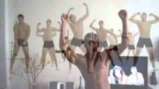 Sarado dançando - Alexandra Burker