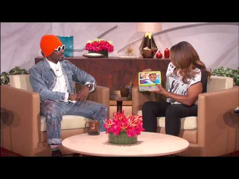 Andre Benjamin Gets His Face On A Lunch Box! | The Queen Latifah Show