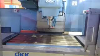 OKK製 立型マシニングセンター MCV-560 2000.4年製(P5918)