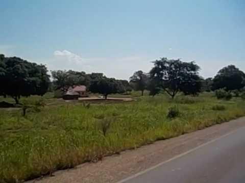 South Sudan  Sudán del Sur  Nimule to Juba  Small villages  Huts  2016 2