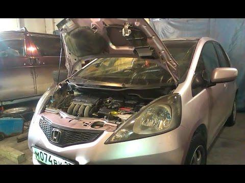 Замена свечей зажигания хонда фит Замена лампы дальнего света w212