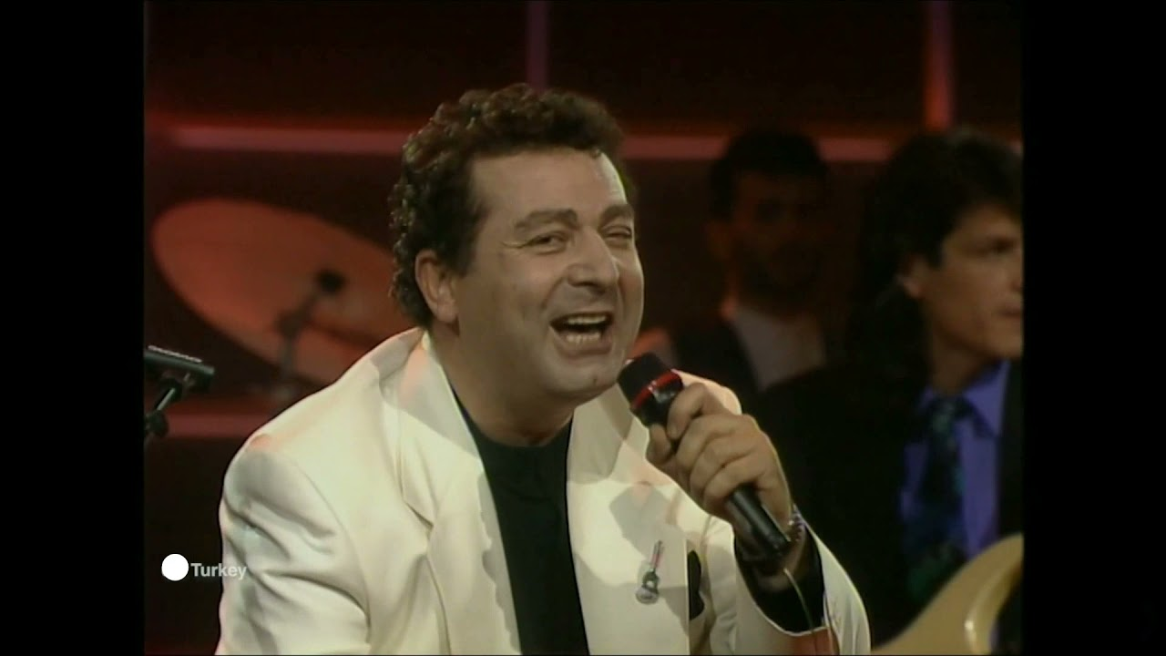 Gzlerinin hapsindeyim  Kayahan  HQ Turkey 1990  Eurovision songs with live orchestra