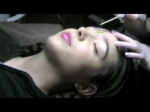 Professional Eyebrow Waxing 101