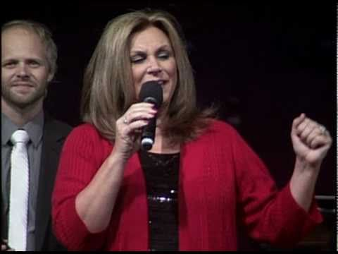 """The Nelons Sing """"Thank You Lord"""" at Trinity"""