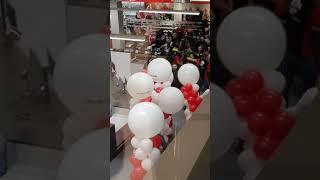 Mall Of The Netherlands Mediamarkt Opening Chaos.