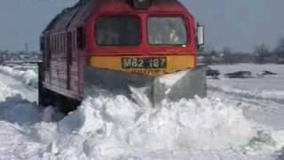 Extra: Hóban rekedt a vonat Polgárdi 2010.02.13.