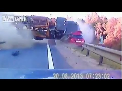 Fatal head on collision deadly high speed car crash - YouTube