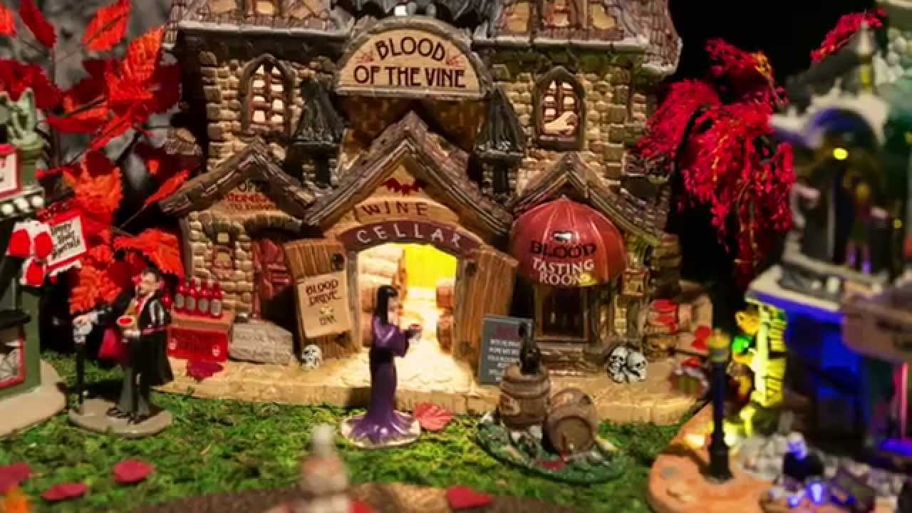 Lemax Spooky Town 2013 Miniature Halloween Village Display