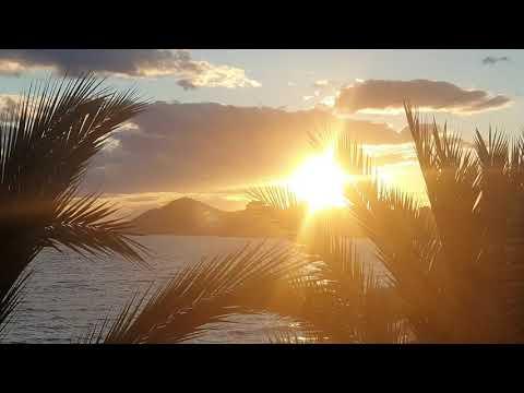 Benidorm в октябре  Море, пальмы, закат. Релакс