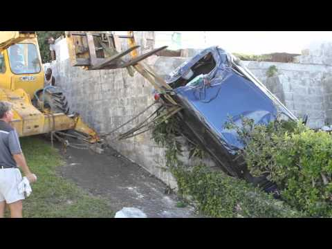 Woman Injured As Car Crashes Into Yard Bermuda November 16 2011