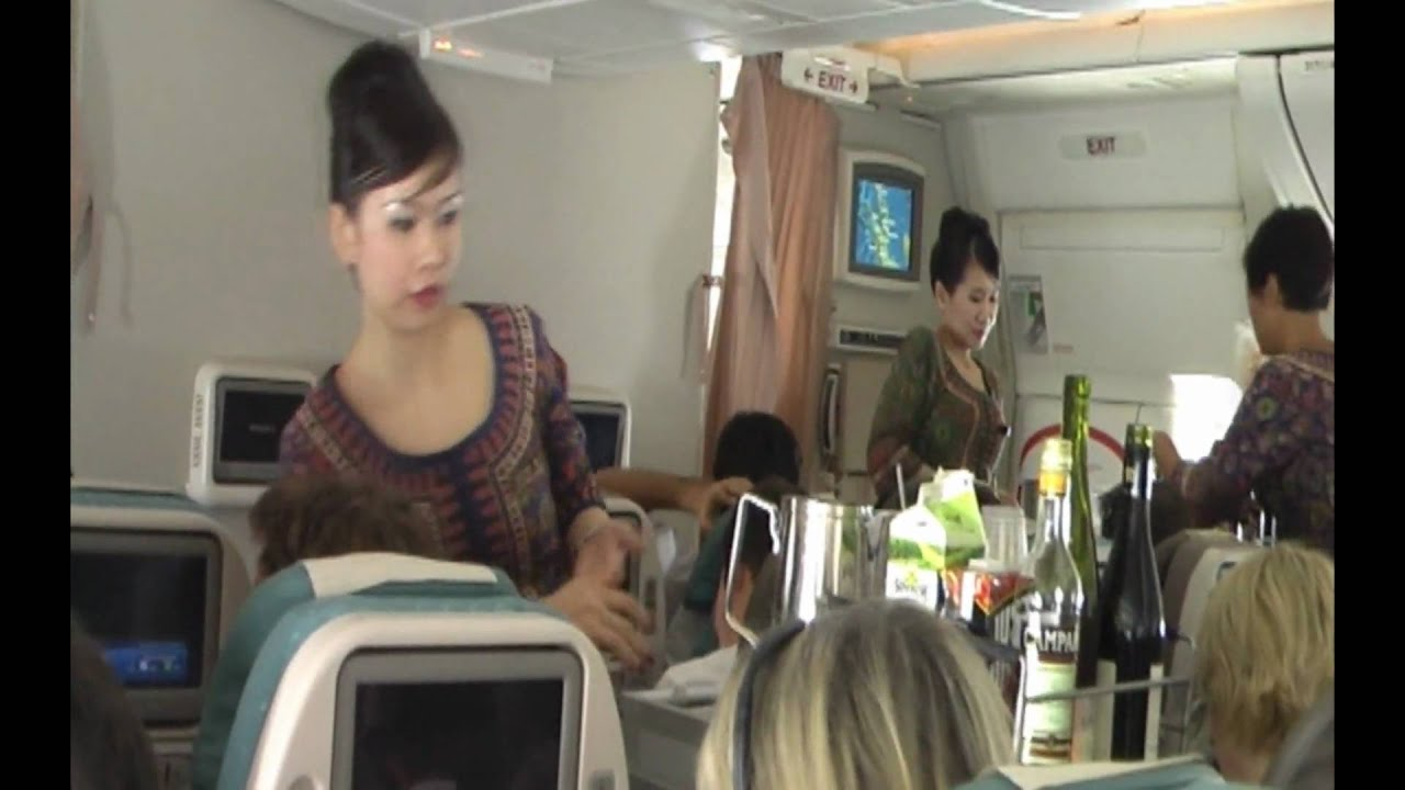 Singapore Airlines B777-300ER Inflight view and service ...