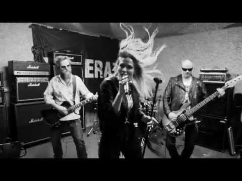 XELERATE - Vicious Vicky (Official Video)