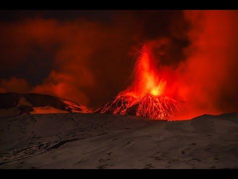 Etna volcano -  Eruzione 24 Dicembre 2018 - Eruption december 2018