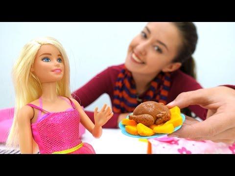 #БАРБИ. Видео для девочек: Кукла Барби (barbie) готовит обед. Игры Барби для девочек