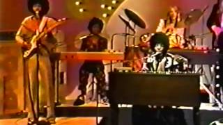 """Sly & The Family Stone """"Stand!"""" LIVE on U.S. TV 7/74"""