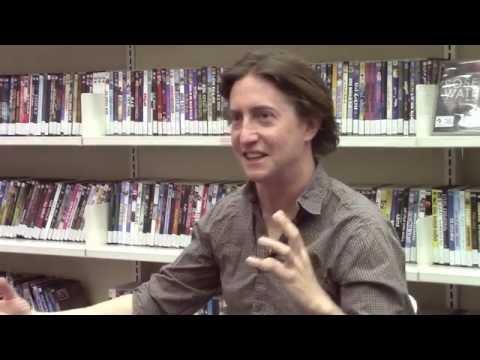 """ראיון עם דייויד גורדון גרין בתוכנית """"חתיכות"""" An Interview With David Gordon Green"""