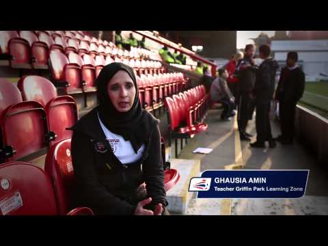 Johnstone's Paint Community Club of the Year | Brentford FC