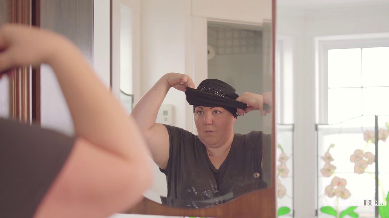 Comment mettre un bandeau sur un bonnet de chimio?