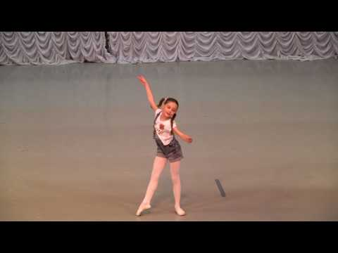 """Танцующая с бабочками"". Ломако Ульяна"