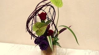 トッププロが教えるサンゴミズキの造形物を使った個性的なアレンジメントの制作方法~How to make the unique flower arrangement