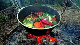 Один с ночёвкой в лесную избу Рыбачу на незнакомом озере Вкуснейший Гусь с овощами на костре