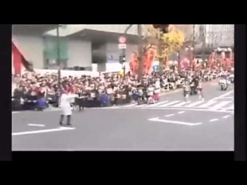 ★FUNNY STUFF★ Japanese marathon runner takes a wrong turn at finish