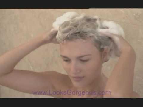 Wash hair using professional salon hair washing techniques for Wash hair salon