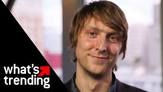 "Eric Hutchinson Performs ""Breakdown More"" 