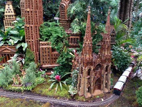 Holiday Train Show Bronx Botanical Garden / New York City