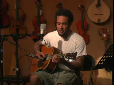 Ben Harper - Morning Yearning (open mic at the Folk Music Center)