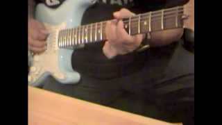 Blues Improvisation in Am with my Fender Scalloped YJM Ocean Blue USA