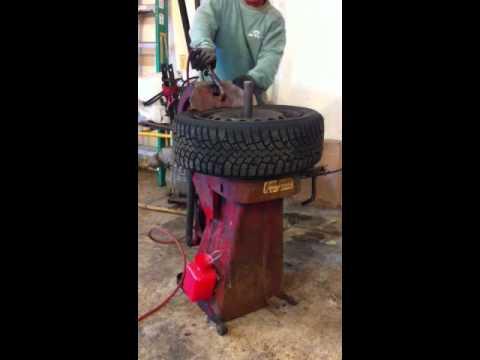 1956 Bishman Tire Changer