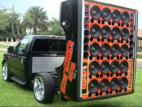 Fotos de caminhonetes equipadas com som