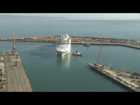 Time lapse of Cruise ships visit to Napier Port 6/1/2009