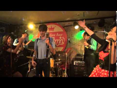 Frankie Vallie and the Four Seasons - Sherry cover by Zach Fanton and the band Porky's