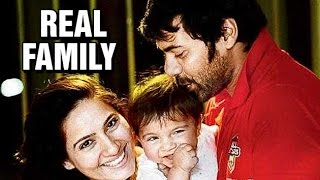 Check out : Shabbir Ahluwalia as Abhishek Mehra from KumKum Bhagya Real Life Family | TV Prime Time