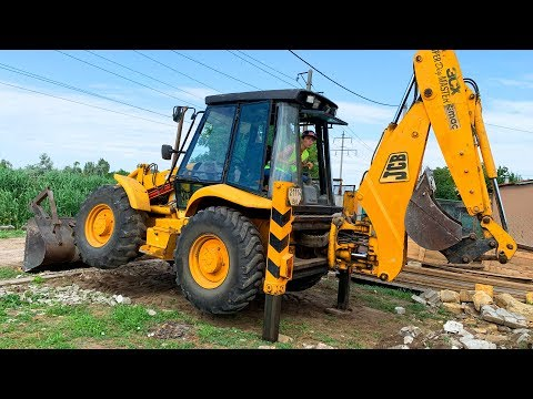 Tractor is broken down – Dima on power wheels car repair the tractor