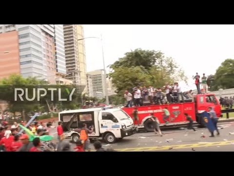 Philippines: Police truck rams into protesters at Manila demo, 3 hospitalised