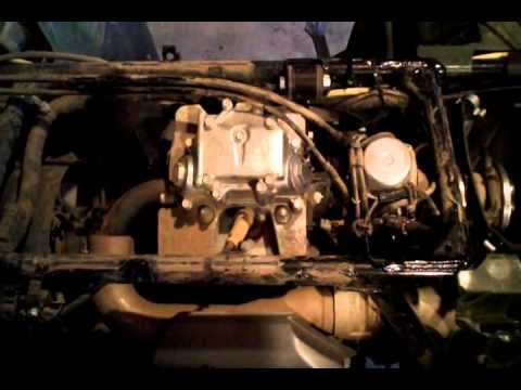 how to honda foreman service part 4 wmv youtube rh youtube com honda foreman 450 carburetor adjustment honda foreman 400 carburetor diagram
