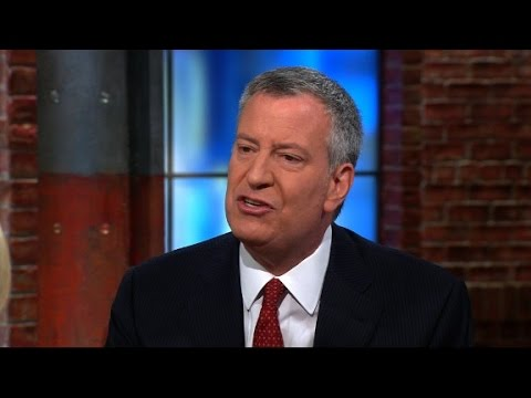 Mayor de Blasio: Trump is falling into ISIS game plan
