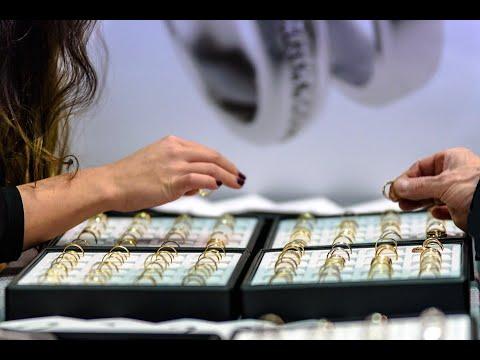 الذهب القديم يبقى ذهبا بأفكار جديدة في سوق تاريخية بلبنان