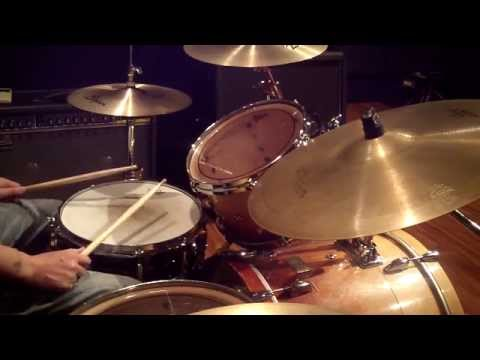 snare kick combination fill mark guiliana style drum lesson 78 youtube. Black Bedroom Furniture Sets. Home Design Ideas
