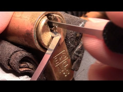 (picking 231) 6 pin euro cylinder (E*S MP10) picked, gutted, key control explained + LOCKWOOD trick